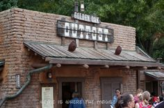 Golden Oak Outpost | Best Waffle Fries in the Wild West | Home is Where the Mouse is