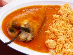 Chilli Rellenos Recipe: Bring the family together with a delicious Mexican cuisine spread around the table. Try this Chili Relleno with beans and rice on the side. Mexican Cooking, Mexican Food Recipes, Dinner Recipes, Ethnic Recipes, Food Network Recipes, Cooking Recipes, Healthy Recipes, Cooking Videos, Tacos