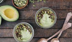 Mousse de avocado - Avocado este un fruct versatil cu un conţinut ridicat de grăsimi sănătoase, proteine și alți nutrienţi benefici pentru organism.