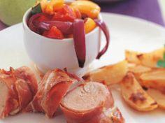Indrefilet surret i spekeskinke Ratatouille, Sausage, Meat, Vegetables, Food, Sausages, Essen, Vegetable Recipes, Meals