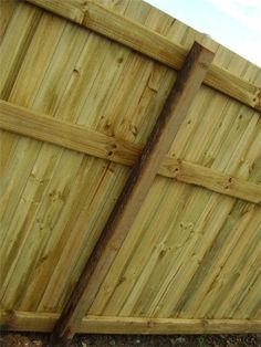 Standard Butted Pine Paling Timber Fence