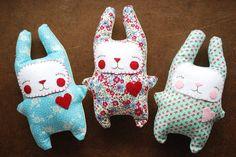 Bunnies! by Wild Olive, free pattern on Revoluzza