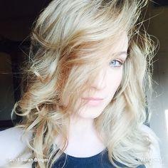 Aurora Rose, Sarah Bolger, Girl Bands, Ouat, Blond, Beautiful Women, Bright, Actors, Beauty