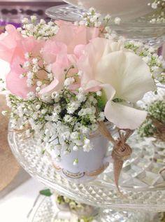 Sweet peas in a vintage tea cup...so spring!