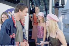 As another school year begins, it's a great time to look for a new guy. Whether you're a freshman or a senior, love is always in the air in the first few months back to school. If you're not sure how to score a campus cutie, one of our favorite on-screen collegiettes, Elle Woods, has some helfpul (?) tips!