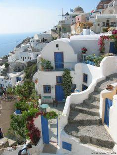 Greece, Santorini looks like the sisterhood of the traveling pants