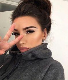 ♡ On Pinterest @ kitkatlovekesha ♡ ♡ Pin: Makeup ~ Pink Neutral Lips, Long Lashes, Winged Eyeliner & Eyebrows ♡