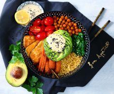 Buddha bowl s tahini dresinkem Buddha Bowl, Portobello, Pina Colada, Naan, Tahini, Gnocchi, Kiwi, Hummus, Cobb Salad