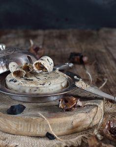 Ya tengo publicadas varias recetas de mantequilla aromatizada con aromas de curry, romero, ajo y perejil, o la mantequilla al café parís  ...