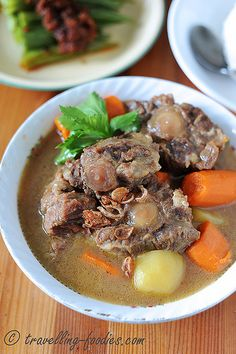 I love oxtail for several reasons. The flavours from any meat off the bone is amazing, robust and rich. And what more with oxtail, it comes with lots of collagen! Oxtail is also a perfect cut for s...