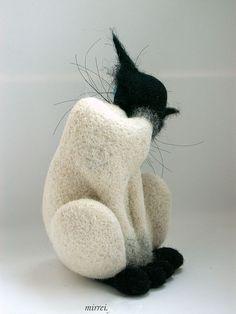 Купить Кот (из серии признаки кошкости) - кот, подарок, сувенир, войлок, шерсть, фелтинг