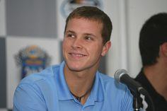 Trevor Bayne. Rookie wins the Daytona 500? I'm down.