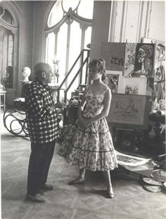 This is Picasso - in his studio - so much to say about this pic - but in this pin - it's about the windows - beautiful Art Nouveau - such grace!
