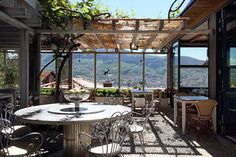 With stunning views on Sarajevo, Restaurant Kibe Mahala offers the finest Bosnian national dishes, including its famous spit-roasted lamb.
