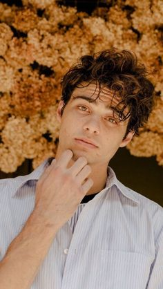 Noah Hundrede Noah Hundrede,Süße jungs Noah Hundrede Related posts:Who's Concerned About Valentine's Day Nails Gel Sparkle and Why You Need to be P. Beautiful Boys, Pretty Boys, Beautiful Pictures, Noah, Lara Jean, Cameron Boyce, Future Boyfriend, Hot Boys, American Actors