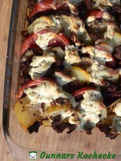 Auberginen-Kartoffel-Auflauf mit Hackfleisch und Dill-Schmand-Haube