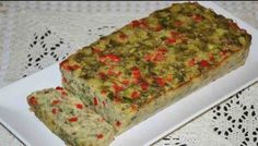 Drob de vinete – Iată … Veggie Recipes, Healthy Recipes, Healthy Foods, Romanian Food, Romanian Recipes, Raw Vegan, Banana Bread, Catering, Kitchens
