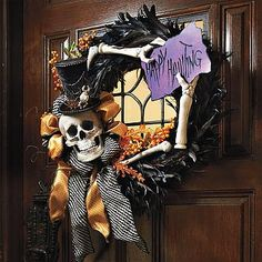 """Happy Hauntings"" Wreath Halloween Trees, Halloween Boo, Halloween Goodies, Halloween Projects, Happy Halloween, Holidays Halloween, Halloween Costumes, Halloween Decorations, Halloween Signs"