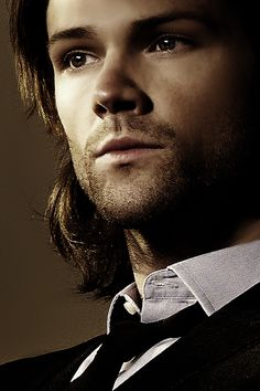 My reaction when I first saw this?:  Wow!! Look at this picture of Jared !!