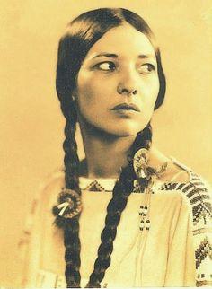 Te-Ata (Bearer Of The Morning ) - Chickasaw - circa 1930