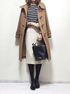 キャメルのロングコートは、大人の落ち着いた雰囲気ですね。 シンプルな着こなしで、通勤ファッションにもピッタリ♪ Japanese Outfits, Japanese Fashion, Korean Fashion, Daily Fashion, Love Fashion, Womens Fashion, Winter Skirt Outfit, Winter Outfits, Modest Fashion