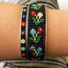 off loom beading techniques Loom Bracelet Patterns, Bead Loom Bracelets, Bead Loom Patterns, Jewelry Patterns, Beading Patterns, Beading Ideas, Beading Supplies, Motifs Perler, Beading Techniques