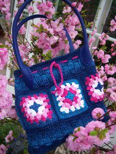 Neue Tasche in starker Farbe ... Design : Gerlinde Gebert Shop: www.gebert-handarbeiten.de