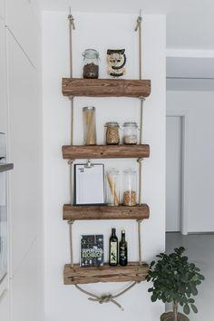 Diy Regal, Home Grown Vegetables, Minimal Kitchen, Small Hallways, Pinterest Diy, Decoration, Floating Shelves, Home Furniture, Family Room