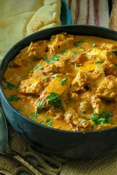 Restaurant-quality butter chicken in under 30 minutes at home! Super easy yet authentic Keto Indian Butter Chicken. An easy Instant Pot Keto Recipe that's family-friendly and ready in 30 minutes. Instant Pot Pressure Cooker, Pressure Cooker Recipes, Slow Cooker, Low Carb Chicken Recipes, Cooking Recipes, Keto Chicken, Cooking Tips, Indian Butter Chicken, Instant Pot Dinner Recipes