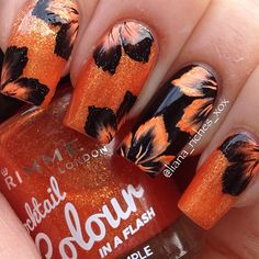 One stroke halloween flower nails Crazy Nail Art, Crazy Nails, Fancy Nails, Cool Nail Art, Fabulous Nails, Gorgeous Nails, Pretty Nails, One Stroke Nails, Floral Nail Art