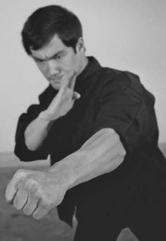 Bruce Lee teaching the art of fighting