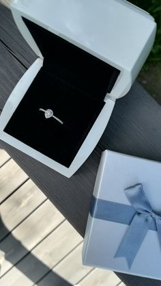 My wedding ring! When I saw the ring, I knew that it would be my wedding ring 💍