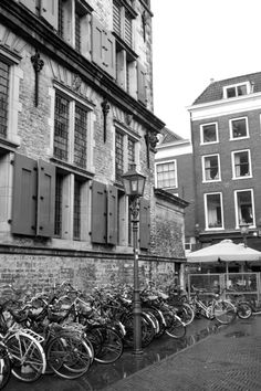 We enjoyed Delft, bikes and all, and we look forward to going back soon. Maybe even this spring… Find out more at: http://mikestravelguide.com/where-to-eat-when-in-delft/
