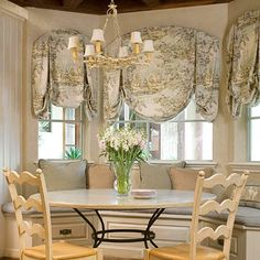 Curtain design - French Country style features toile, fresh flowers in clear glass vases, furniture with graceful lines, iron furniture, and heavy wooden beamed ceilings. Country Dining Rooms, Interior, Home, Dining Room Design, Country Decor, Breakfast Nook Furniture, Interior Design, French Country Dining Room, Nook Furniture