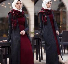 maroon dress with long vest-Top hijab fashion looks – Just Trendy Girls Hijab Casual, Hijab Style, Hijab Chic, Hijab Outfit, Girl Hijab, Hijab Fashion Summer, Abaya Fashion, Muslim Fashion, Dress Fashion