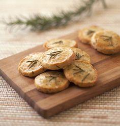 Crackers au parmesan et romarin - Recettes de cuisine