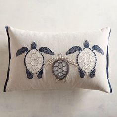 A family of embroidered turtles has made their home on our coastal themed pillow that will fit just right on your favorite sofa or chair. Cushion Embroidery, Embroidered Cushions, Ribbon Embroidery, Beaded Embroidery, Nautical Cushions, Cute Cushions, Pillow Texture, Decorative Throw Pillows, Elsa