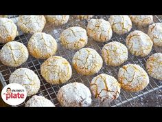 Amaretti biscuits are a staple in many Italian homes but everyone's recipe is different! This amaretti recipe has been passed down through generations. Amaretti Biscuits, Amaretti Cookies, Almond Cookies, Cookie Desserts, No Bake Desserts, Cookie Recipes, Dessert Recipes, Biscuit Cookies, Biscuit Recipe