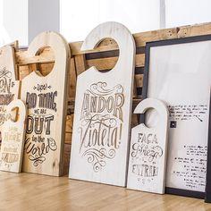 Door Hangers Medium / Large Size www.aroundtheworld.pt www.facebook.com/dontleaveushanging