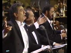 The 3 Tenors O Sole Mio 1994 - Placido Domingo is obviously the leader here . we heard Placido Domingo and José Carreras in Austria in JhC Opera Music, Opera Singers, Classical Opera, Classical Music, Music Songs, My Music, Franz Lehar, Placido Domingo, Trailer Peliculas