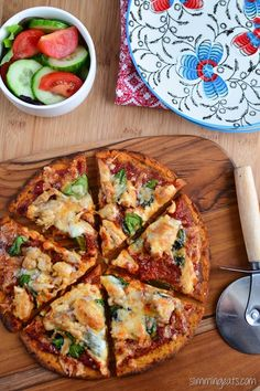 Slimming Eats Sweet Potato Pizza Crust - gluten free, dairy free, vegetarian, Paleo, Slimming World and Weight Watchers friendly Sweet Potato Recipes, Veggie Recipes, Vegetarian Recipes, Cooking Recipes, Pizza Recipes, Banting Recipes, Vegetarian Pizza, Slimming Eats, Slimming World Recipes