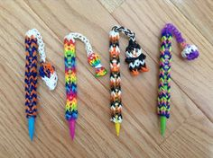 These are the rainbow loom pencil dangles that I made. They are super easy and… Rainbow Loom Easy, Rainbow Loom Bracelets Easy, Loom Band Bracelets, Rainbow Loom Tutorials, Rainbow Loom Patterns, Rainbow Loom Creations, Rainbow Loom Bands, Rainbow Loom Charms, Rubber Band Bracelet