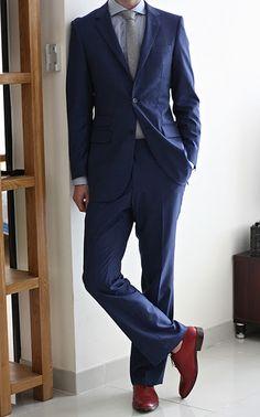 Suit Review: The Nanotech Storm Indigo Striped Suit