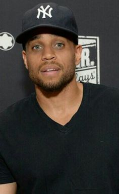 Actor Michael Ealy.❤FINE