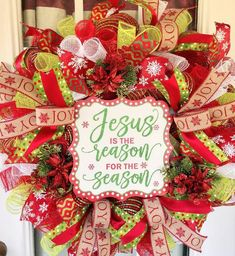 Christmas Wreaths For Front Door, Christmas Porch, Christmas Mantels, Christmas Ribbon, Holiday Wreaths, Winter Wreaths, Christmas Gifts, Sunflower Burlap Wreaths, Floral Wreaths
