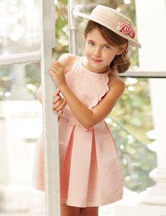 823482bb0 Vestido de ceremonia para niña rosa empolvado con lunares dorados.  Confeccionado con un tejido acanalado