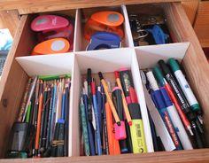 Einfach selbst gemachte Schubladentrenner aus Sperrholz für Stifte & Büromaterial