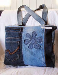 Nice Denim Bag Patterns, Jean Purses, Patchwork Jeans, Denim Quilts, Denim Purse, Denim Ideas, Patterned Jeans, Diy Handbag, Recycled Denim
