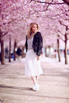 Under the cherry trees - P.S. I love fashion by Linda Juhola