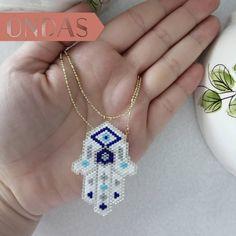 MANO DE FÁTIMA . . . #TusOndas #ONDAS #Medellin #OrienteAntioqueno #Miyuki #MiyukiLover #Peyote #Beads #Jewelry #joyeriaArtesanal #handmade #HechoAMano #MiyukiNecklace #Necklace Beads Jewelry, Diamond Jewelry, Handmade Jewelry, Pendant Necklace, Blog, Fatima Hand, Waves, Handmade, Diamond Jewellery